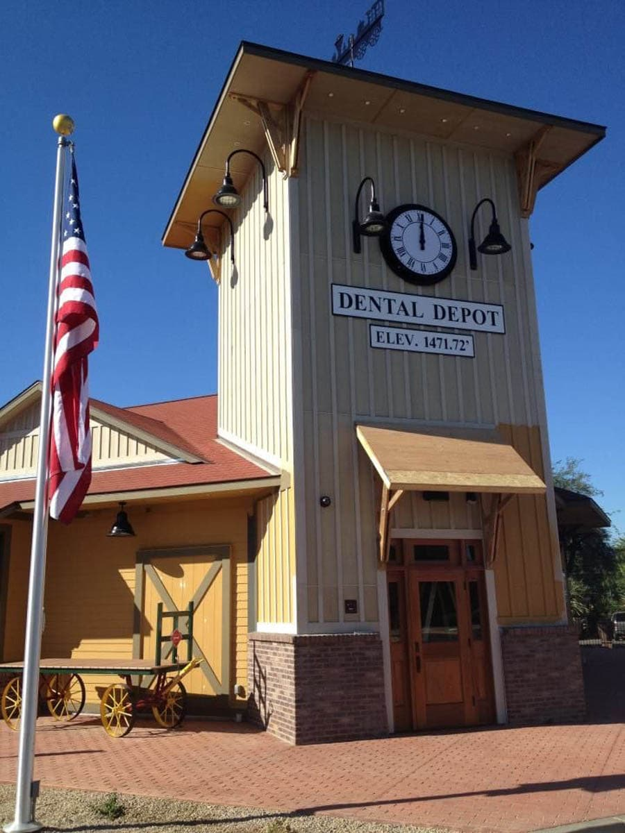 Dental-depot-dentistry-phoenix-arizona-main-entrance-1