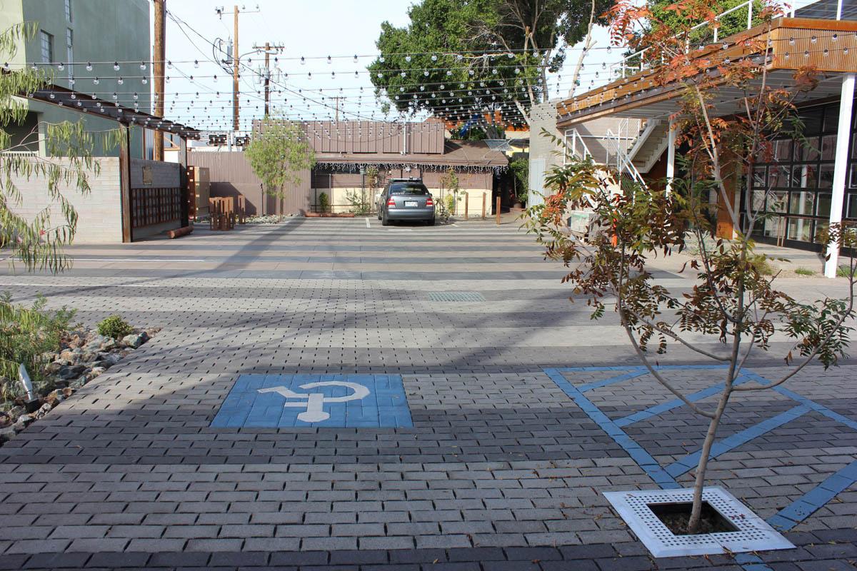 Scottsdale-creative-arts-center-scottsdale-arizona-lighted-common-parking-space-3