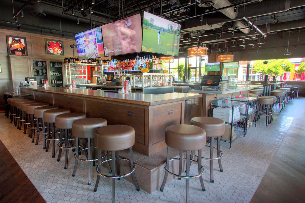 Thirsty-lion-gilbert-arizona-interior-bar-seating-area-1