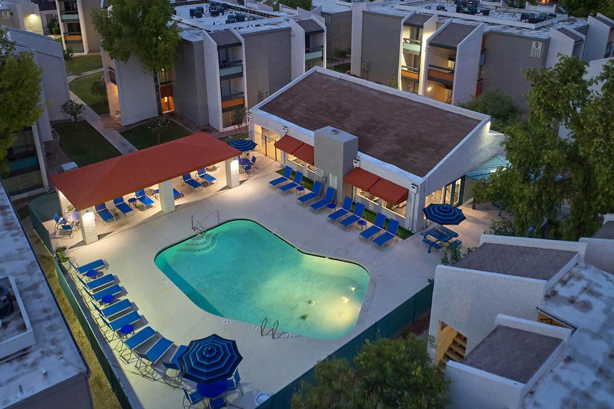 Stonegate-luxury-furnished-apartments-mesa-az-pool